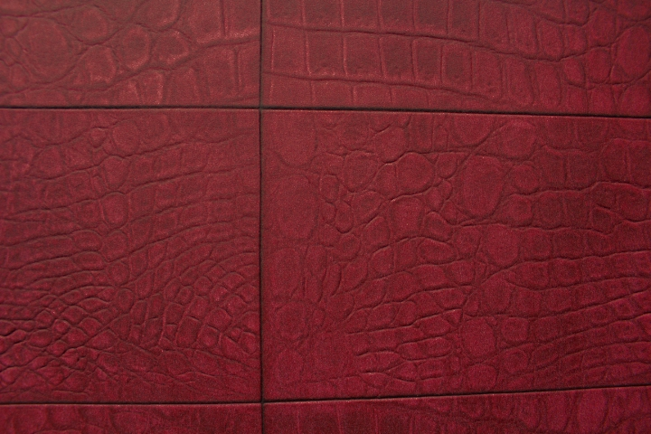 Maroon Tiled Leather Look Wallpaper COS576G108