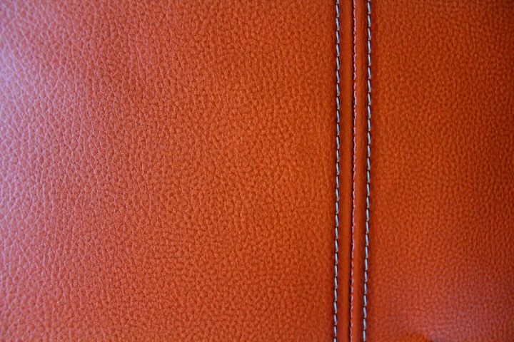 Tan Leather Look Wallpaper COS576G498
