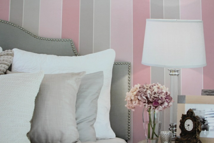 pink and grey striped wallpaper