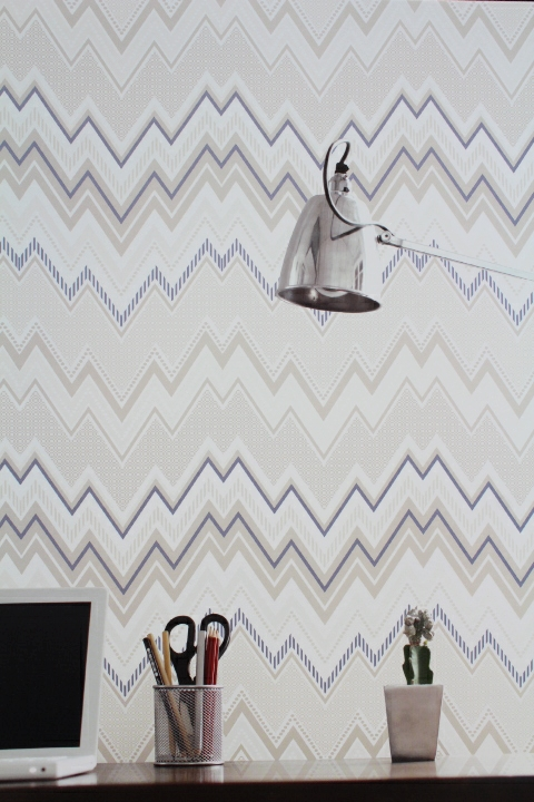 blue and neutral zigzag wallpaper