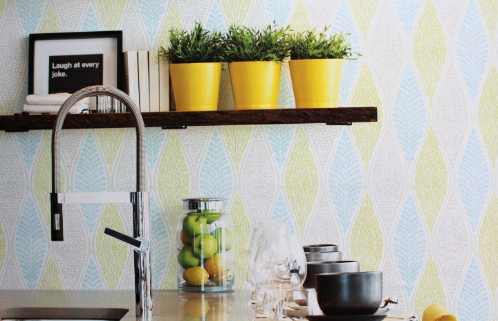 turquoise and lime feature wallpaper