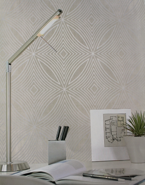 neutral & silver feature wallpaper
