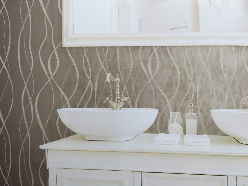 linear metallic bathroom wallpaper