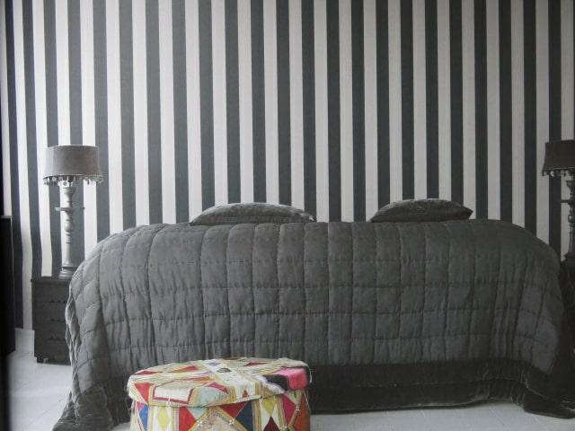wide striped wallpaper